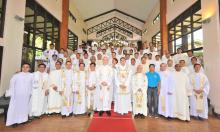 Group picture of the capitulars, with the new Provincial Council, the Superior General and the Vicar General.