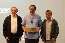 Bishop Pablo Virgilio David of the Diocese of Caloocan guided the recollection reflections on the first day. With him were Fr. Rampazzo, Superior General; and Fr. Abcede, SMP Provincial Superior.