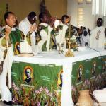 16 maggio 2004 – Messa di ringraziamento per la Canonizzazione del Padre a Edeà – Cameroun.